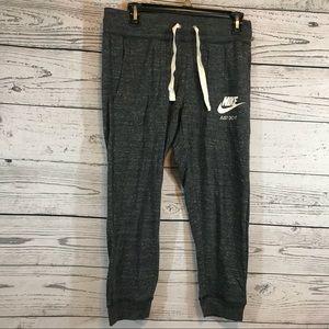 Nike Sportswear Gym Vintage Women's Capri Pants